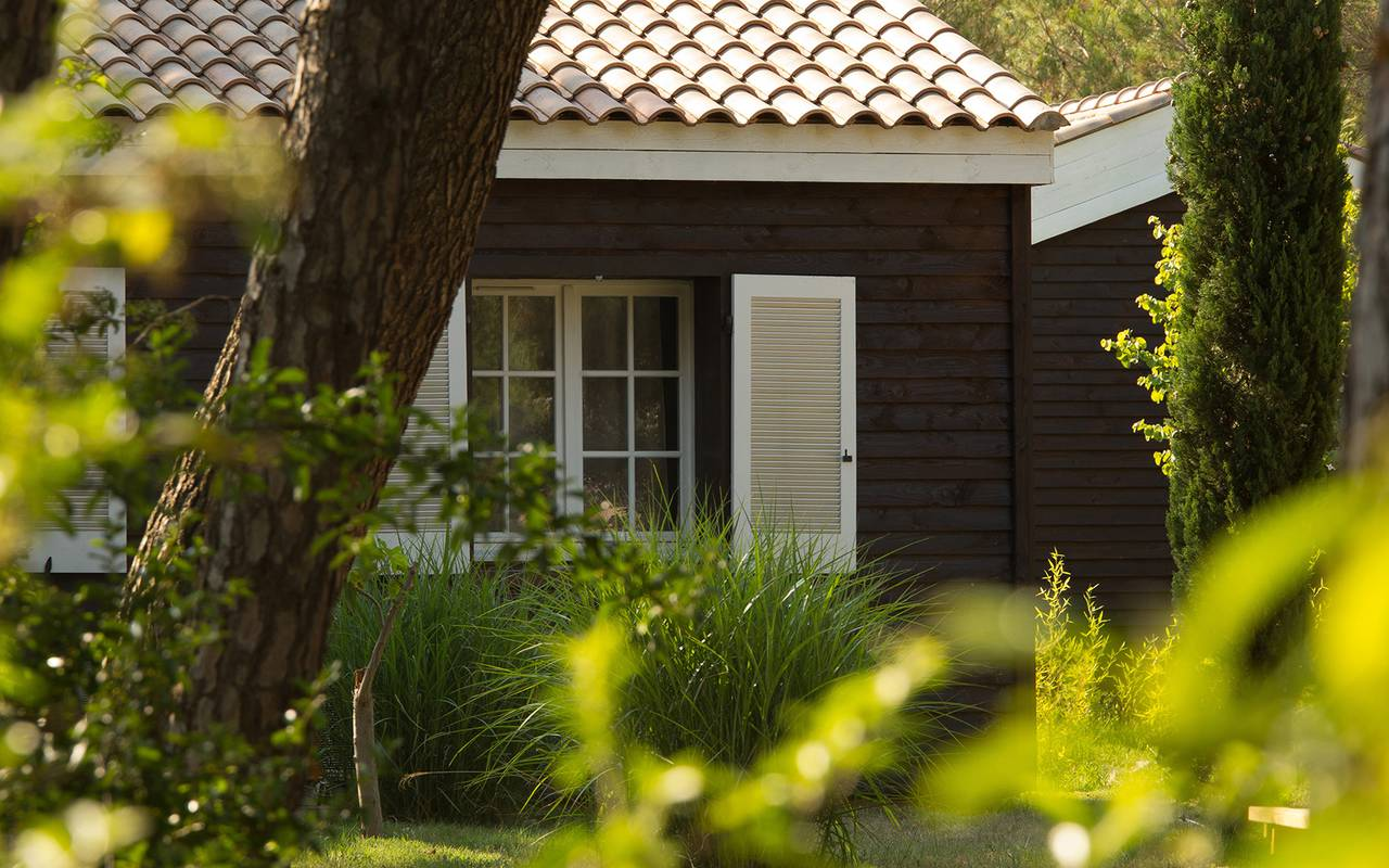 wood residence at villa vicha hotel - hotel nature gard