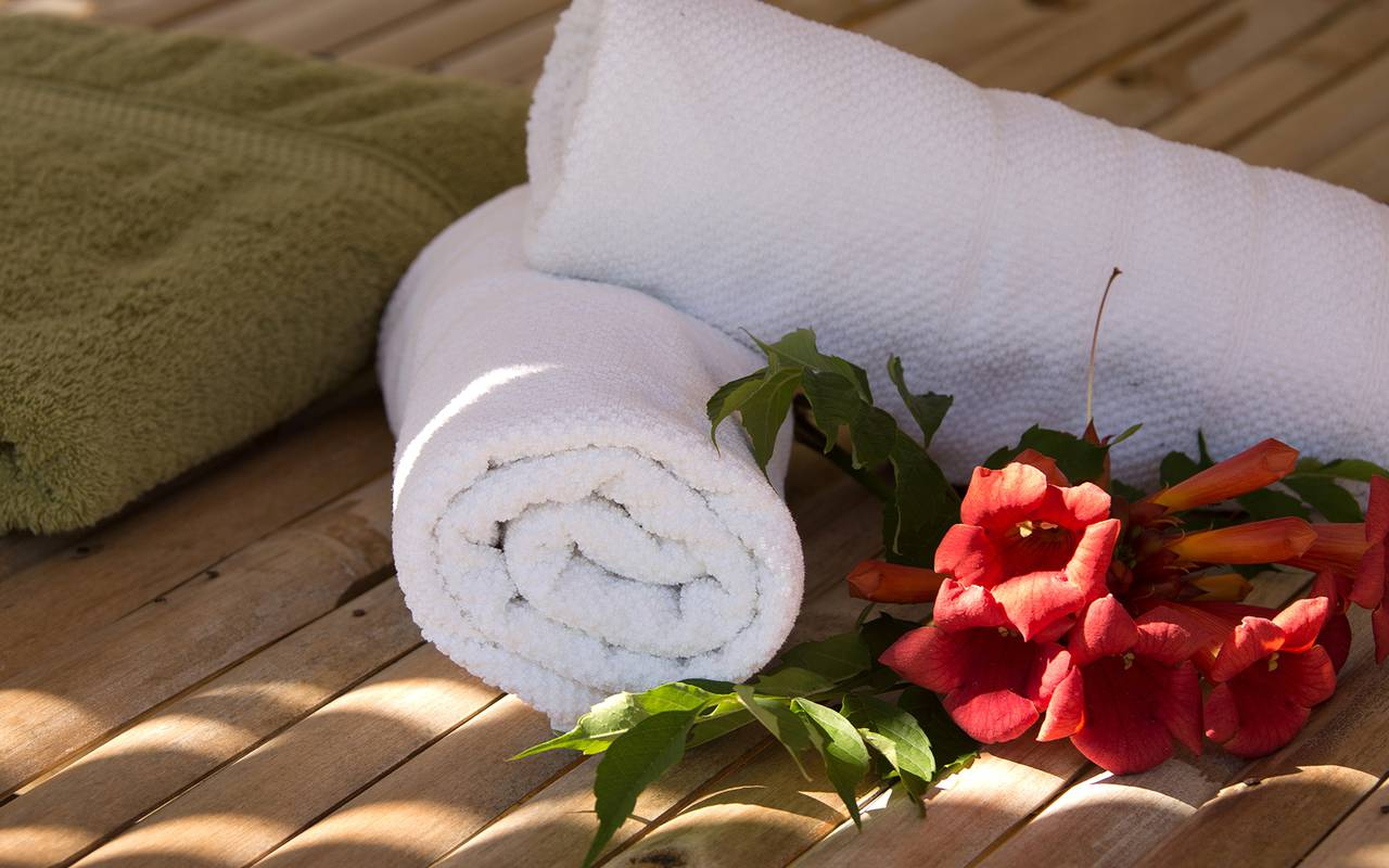 villa vicha spa towel - spa nimes